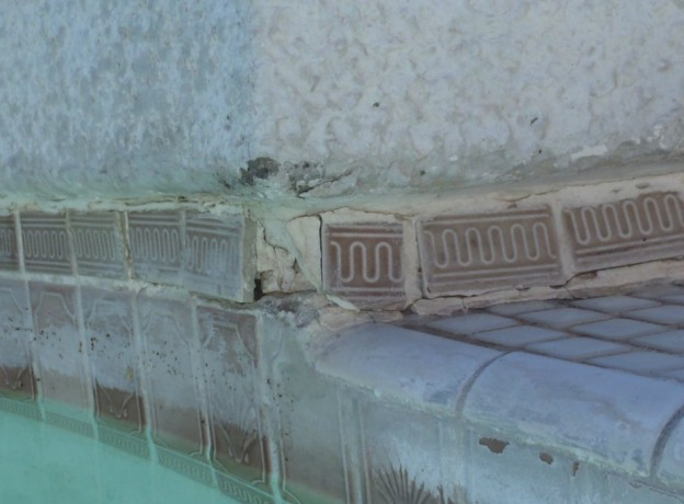cracked pool tile
