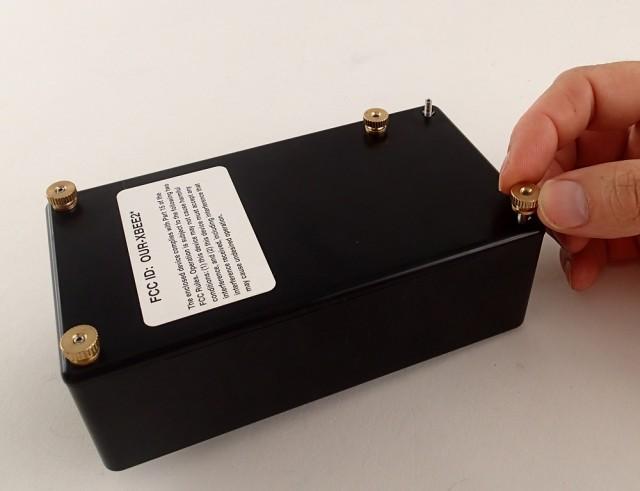 New Thumb Screws makes changing batteries more convenient.